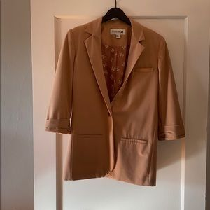 Rose blazer with cropped sleeves